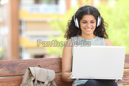 freelancer working with a laptop in