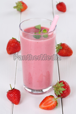 strawberry smoothie juice milkshake with strawberry
