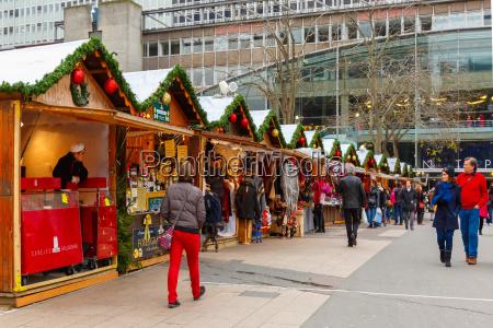 weihnachtsmarkt in montparnasse paris