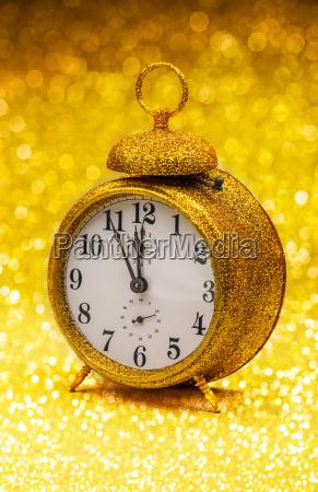 uhr golden goldgelb goldfarben vergoldete goldenes