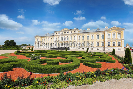 rundale palace in latvia