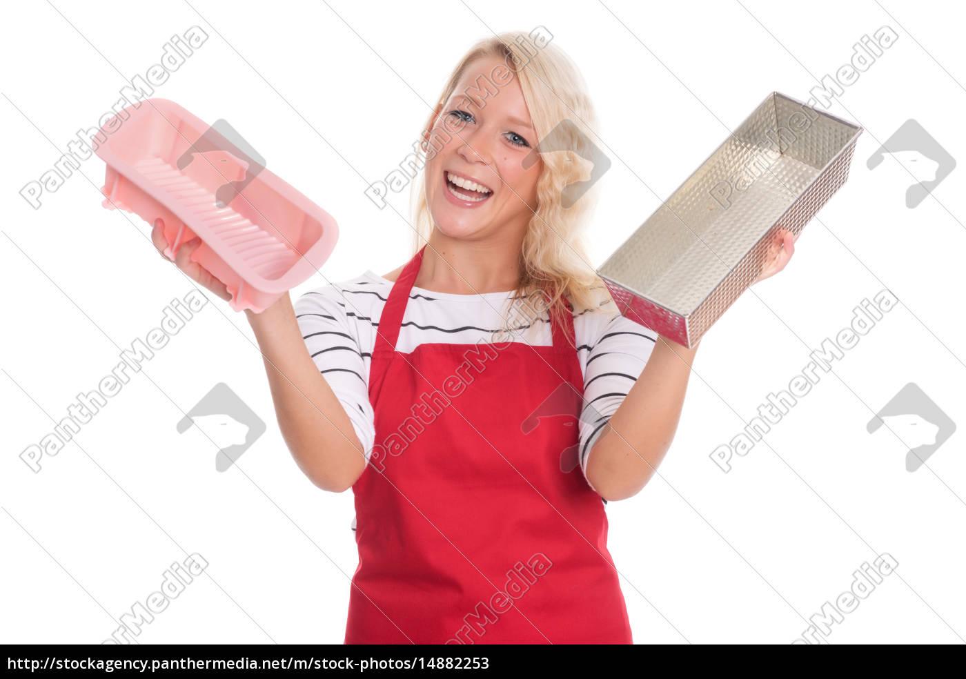 hausfrau, in, küchenschürze, hält, verschiedene, backformen - 14882253