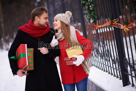 couple with giftboxes