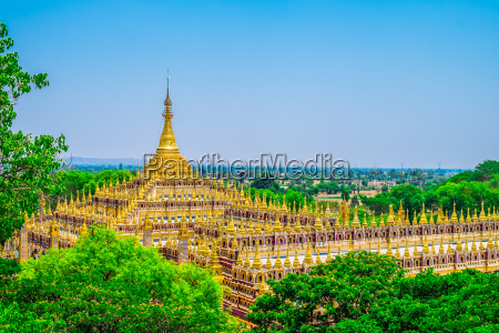 schoene buddhistische pagode