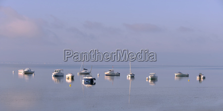 boats at andernos les bains in