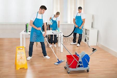 reinigungs team reinigung boden