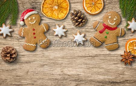weihnachtsdekoration auf rustikalem holzhintergrund