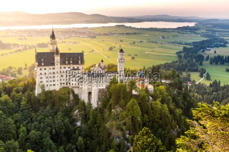 puesta del sol del castillo de