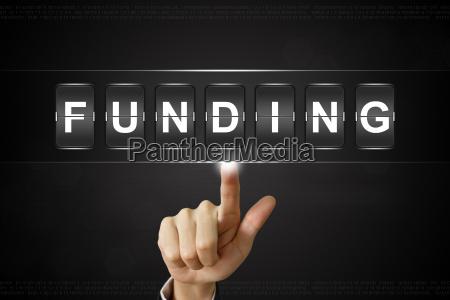 business hand klicken finanzierung auf flipboard