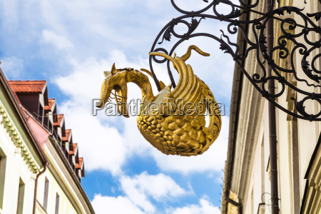 dragon sign figure on street in