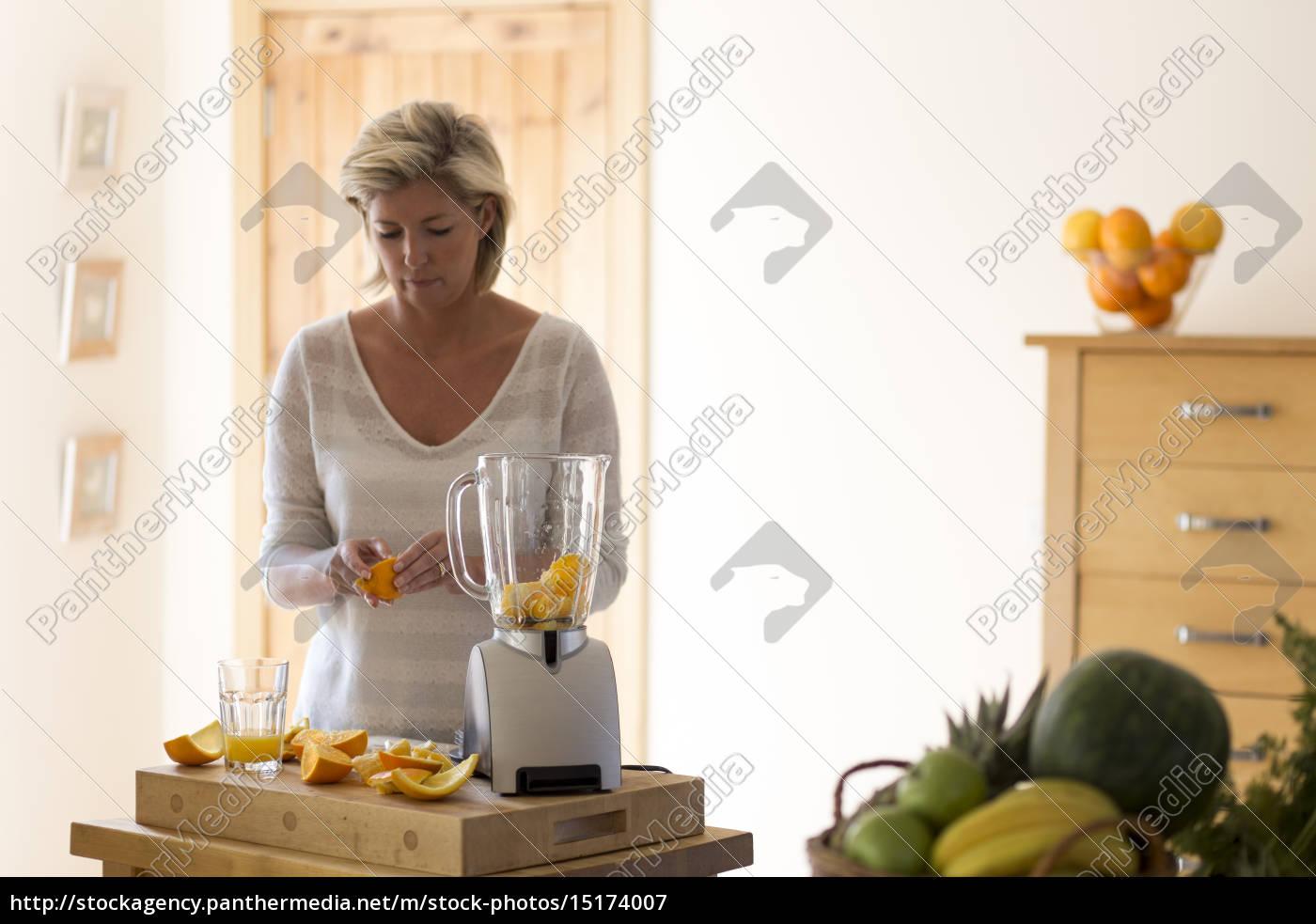 erstellen, sie, eine, köstliche, frucht-smoothie - 15174007