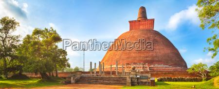 jetavanaramaya dagoba panorama