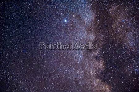sternenhimmel mit milchstrasse etwas vergroessert