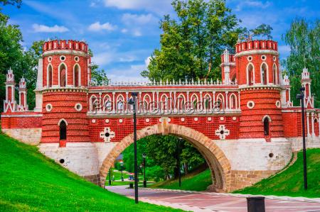 beautiful ancient bridge in tsaritsyno moscow