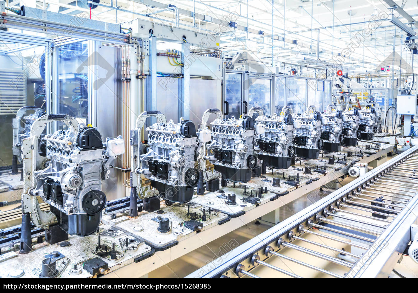 automotoren an förderstrecke - Lizenzfreies Bild - #15268385 ...