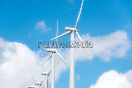 windkraftraeder zur stromerzeugung in windpark