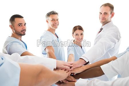 portraet von laecheln medical team piling