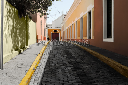 alley in the old city of