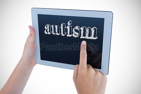 autismus gegen frau mit tablet pc