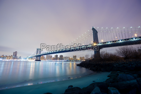 manhattan bridge at dusk new york