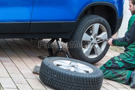 replace summer tires to winter tires