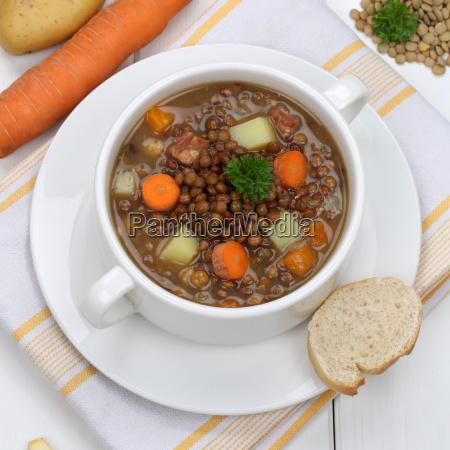 lentil soup with lentils and vegetables
