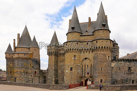 medieval castle in vitre on access