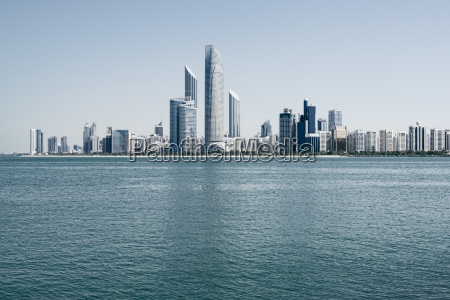 abu dhabi skyline vereinigte arabische emirate