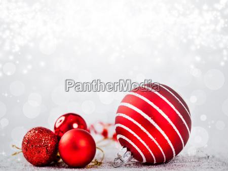 weihnachtsschmuck gegen urlaub hintergrund