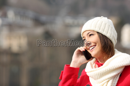 girl talking on the phone in