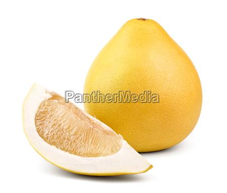 reife birnenfoermige frucht pomelo und ein