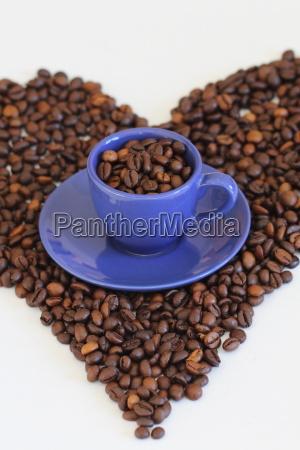 blaue espressotasse im kaffeeherz