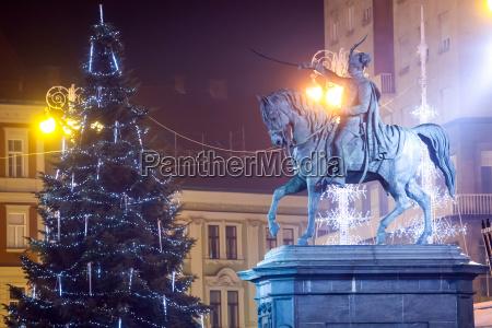 statue von ban josip jelacic in