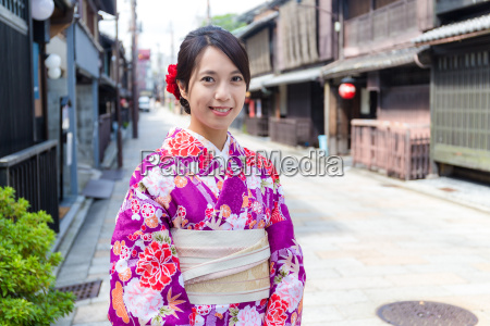 japanese woman with traditional japanese clothes