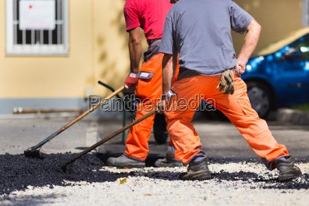 asphaltdecke handarbeit