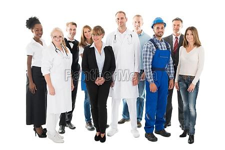 gruppe portrait of zuversichtlich menschen mit