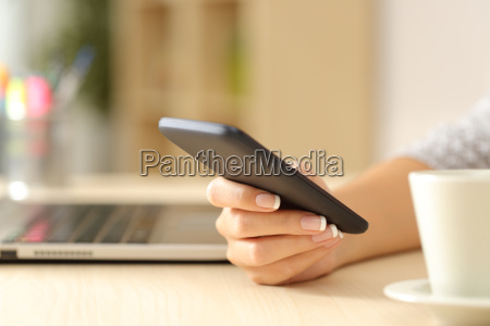woman hand using a smart phone