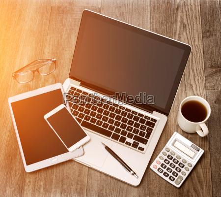 laptop notebook computer tablette taefelchen