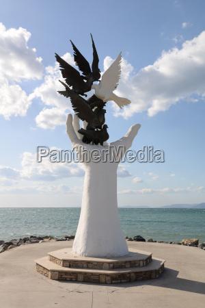 peace monument kusadasi turkey