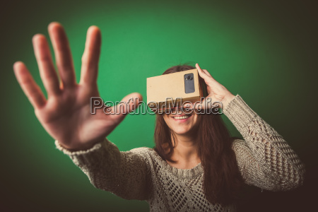 karton virtuelle realitaet
