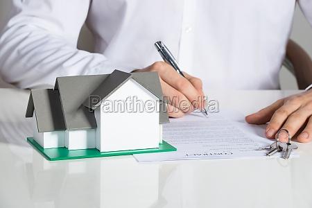 vertrag kontrakt gesetz geschaeftsmann mittel agens