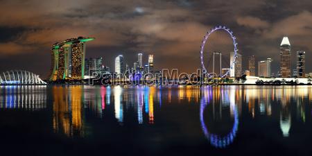 die skyline von singapur