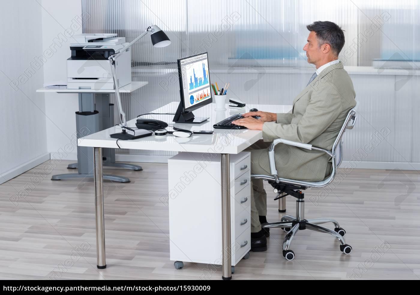 Pc Im Schreibtisch 2021