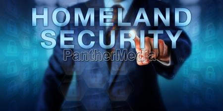 professionelle pushing staatssicherheit onscreen