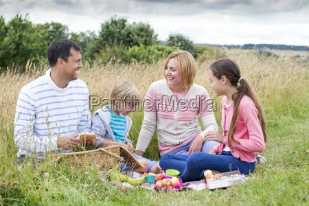 familien picknick am strand