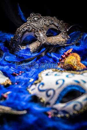 weibliche karnevalsmasken