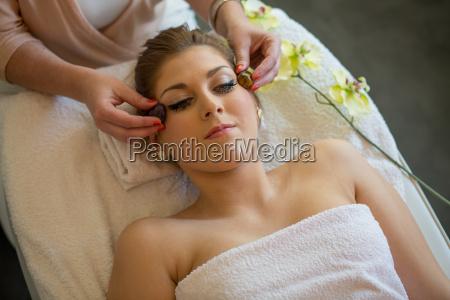gesucht gesichtsmassige wellness relax spa entspannung