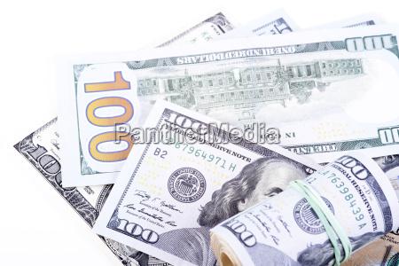 euro banknoten auf einem weissen hintergrund