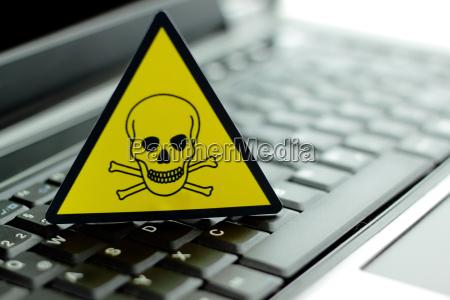 warnung vor giftigen stoffen nach en