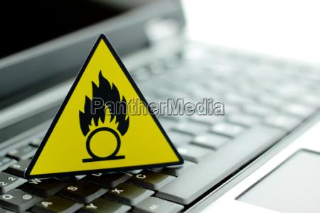 warnung vor brandfoerdernden stoffen nach en